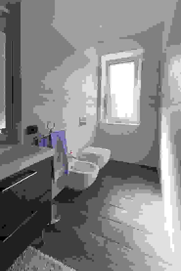 Nowoczesna łazienka od Laura Galli Architetto Nowoczesny
