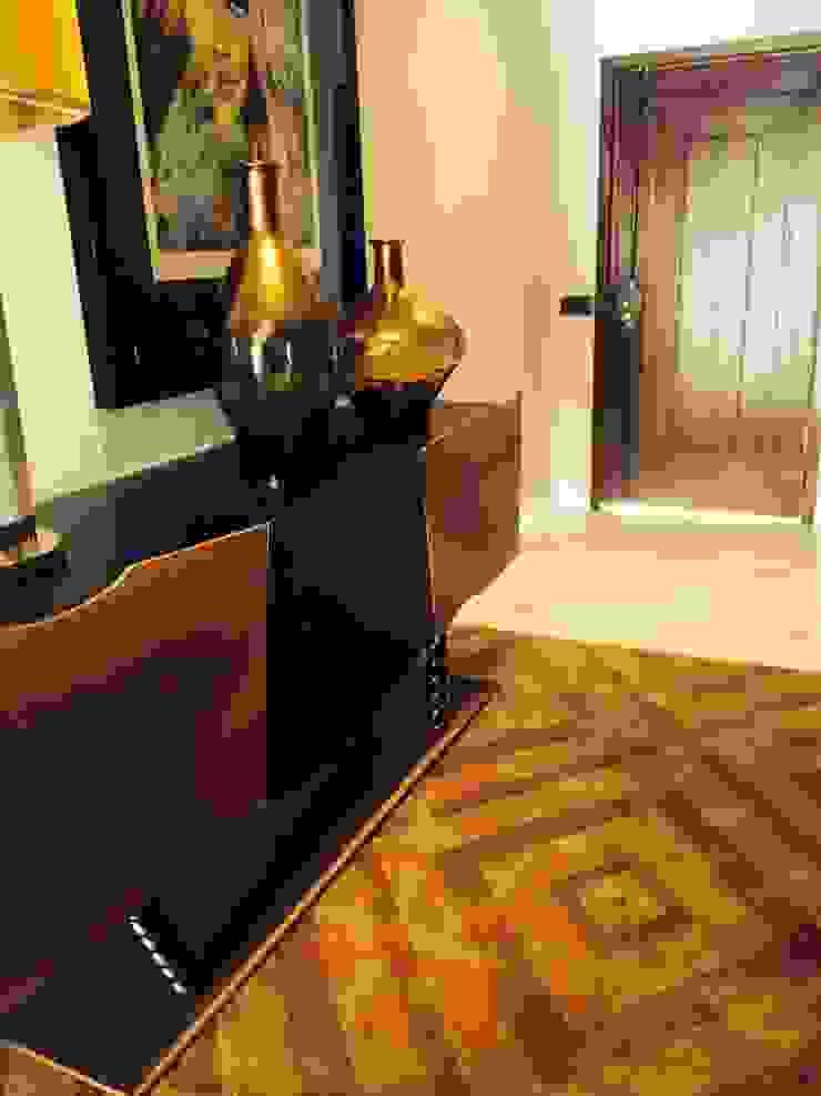 Lili Miranda-Designer de Interiores Modern corridor, hallway & stairs