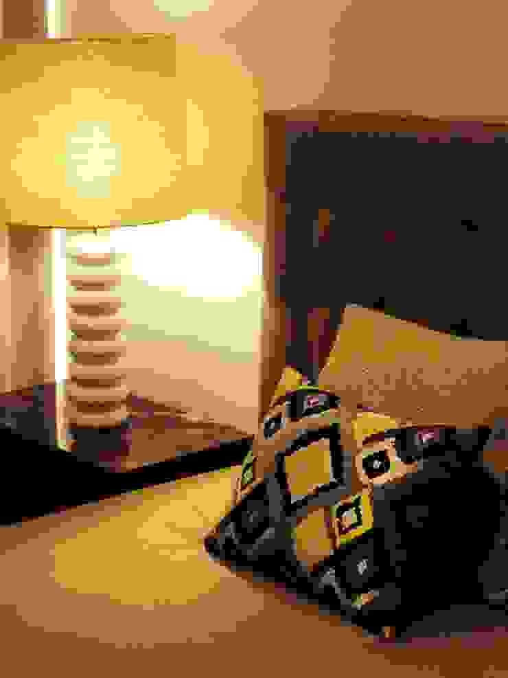 Lili Miranda-Designer de Interiores Modern style bedroom