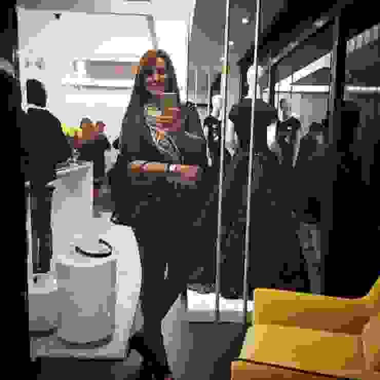 Lili Miranda-Designer de Interiores Studio moderno Beige