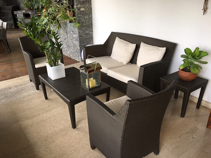 Patios & Decks by THE muebles,