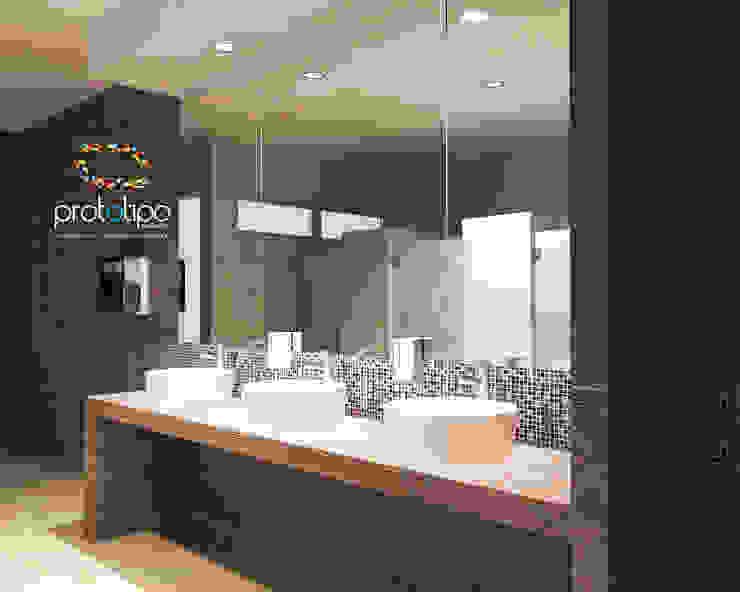 Baños de estilo  por Prototipo Arquitectos