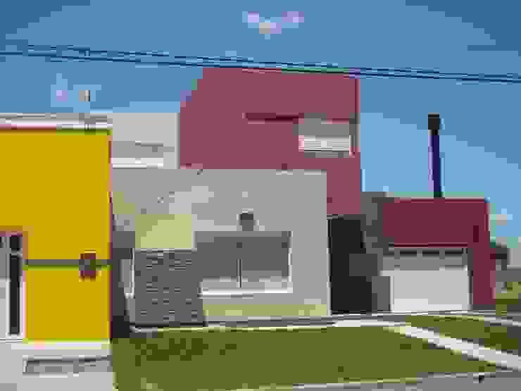 Vivienda unifamiliar en Puán Casas modernas: Ideas, imágenes y decoración de Proyectos y Planos Online Moderno