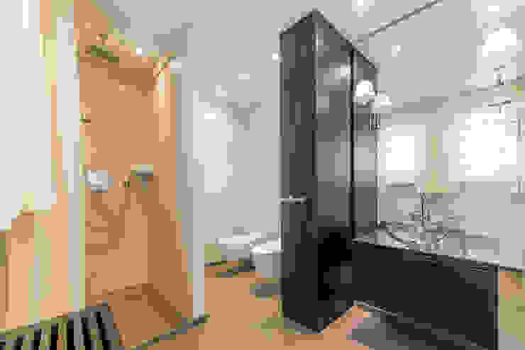 Ohlde Interior Design Classic style bathroom Stone Beige