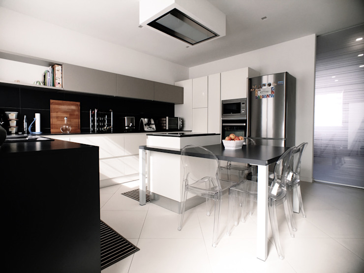 Cuisine moderne par M16 architetti Moderne