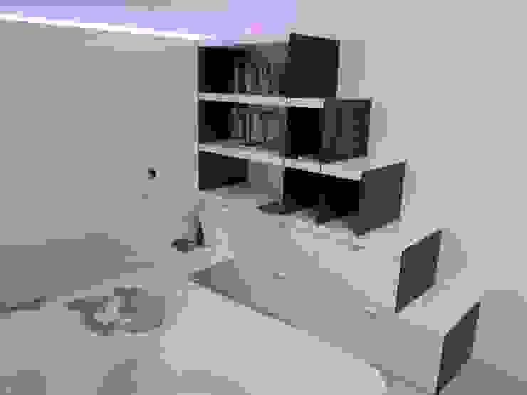 Cuartos de estilo minimalista de CARLO CHIAPPANI interior designer Minimalista