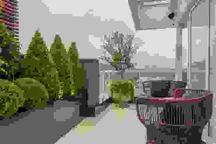 Apartamento Cobertura Varandas, alpendres e terraços modernos por Spengler Decor Moderno