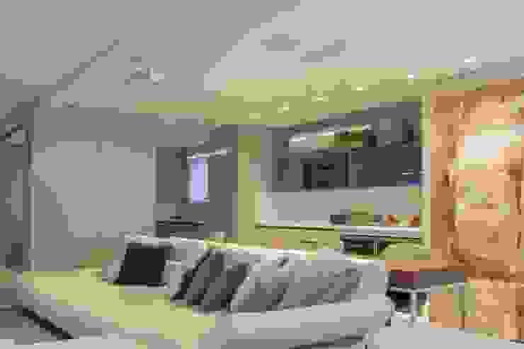 Apartamento Cobertura Salas multimídia modernas por Spengler Decor Moderno