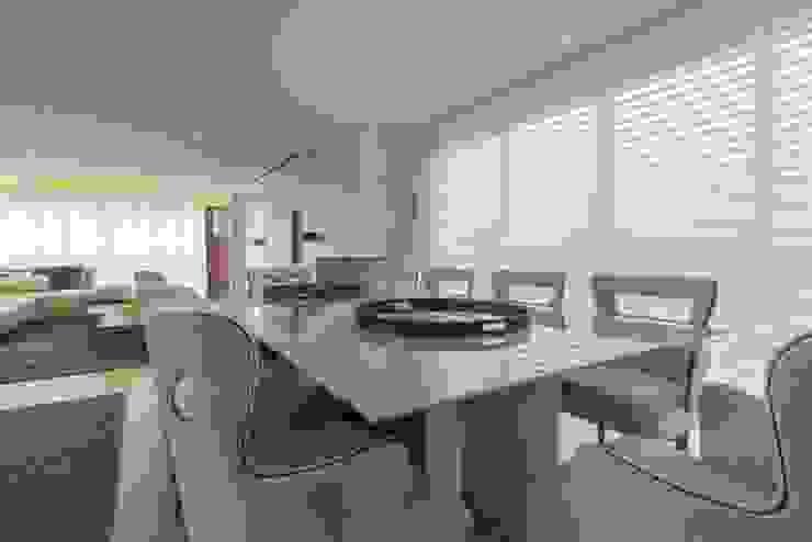 Apartamento Cobertura Salas de jantar modernas por Spengler Decor Moderno
