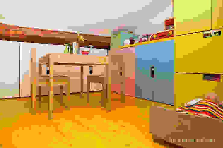 Dormitorios infantiles de estilo  por senzanumerocivico, Moderno