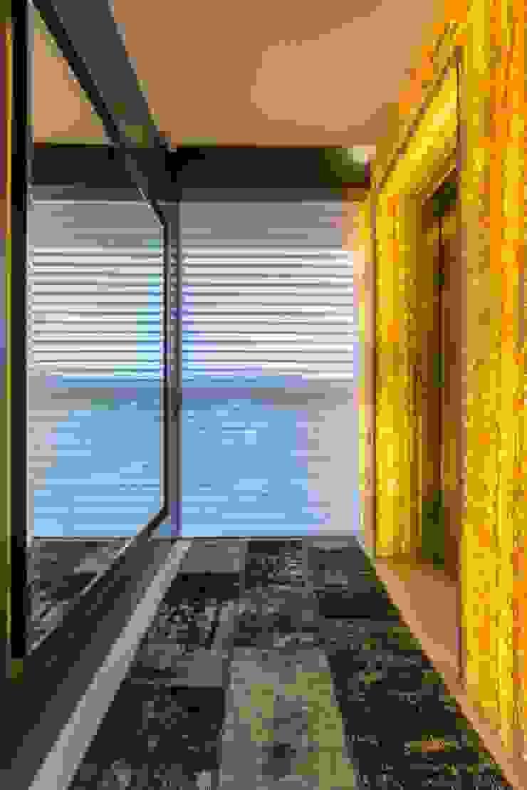 Apartamento Cobertura Corredores, halls e escadas modernos por Spengler Decor Moderno