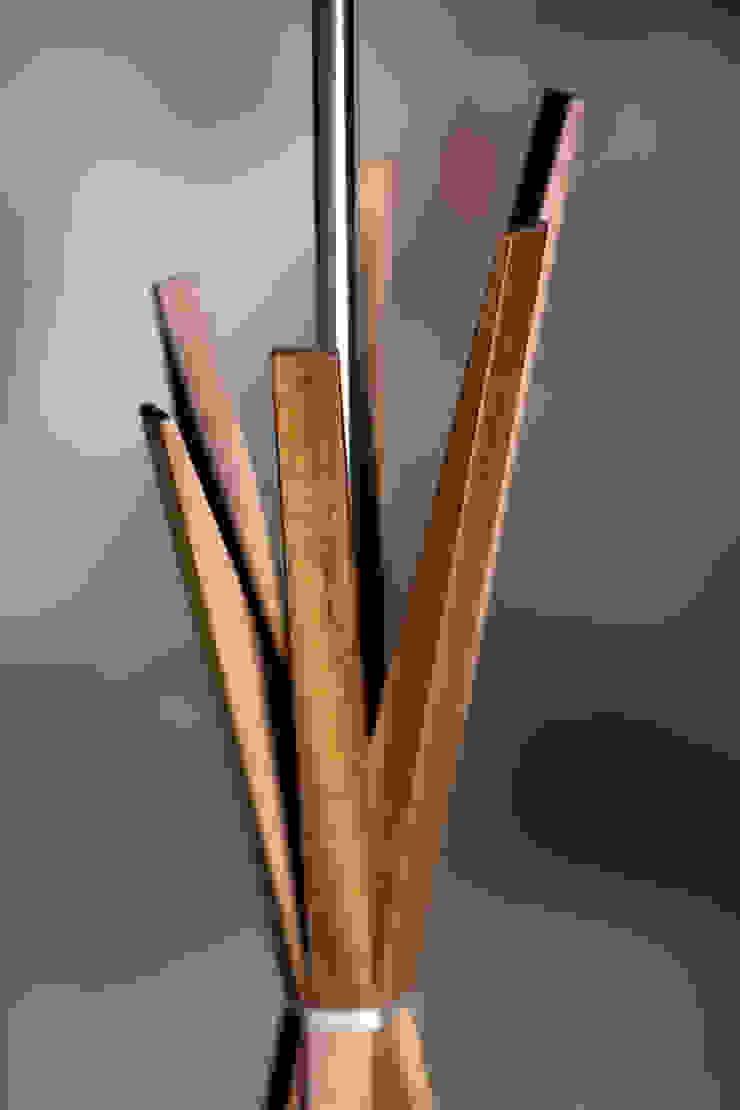 Konservatori Klasik Oleh LIGNA LUX ® Stehleuchten Manufaktur Klasik Kayu Wood effect