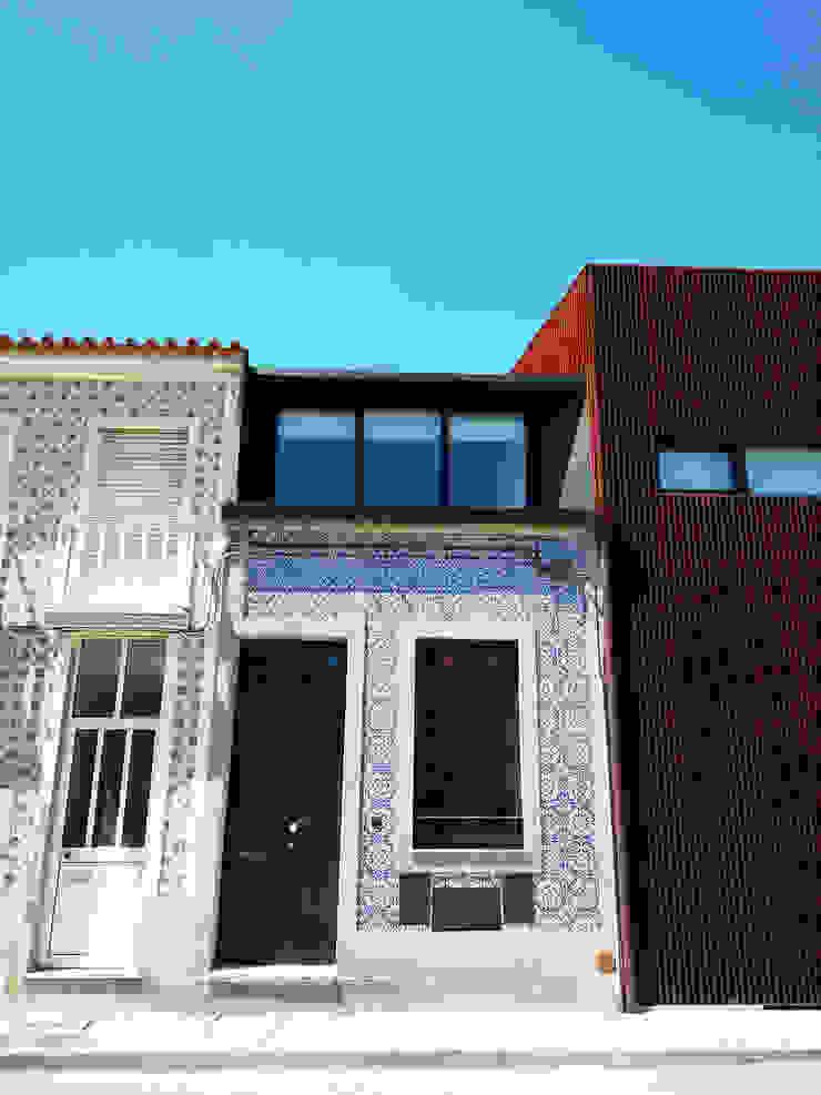 Minimalist houses by GRAU.ZERO Arquitectura Minimalist