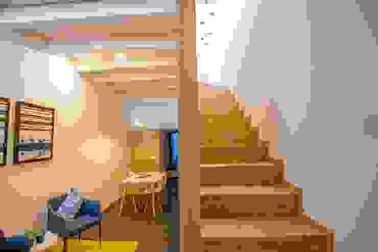 GRAU.ZERO Arquitectura Modern corridor, hallway & stairs