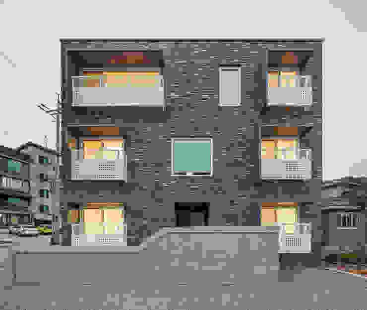 교하동 다가구 주택 모던스타일 주택 by 서가 건축사사무소 모던