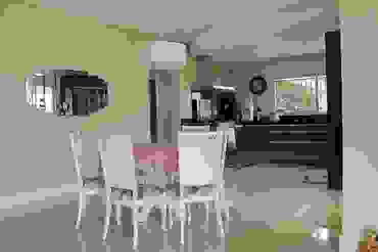 Casa VR Cozinhas clássicas por Lozí - Projeto e Obra Clássico
