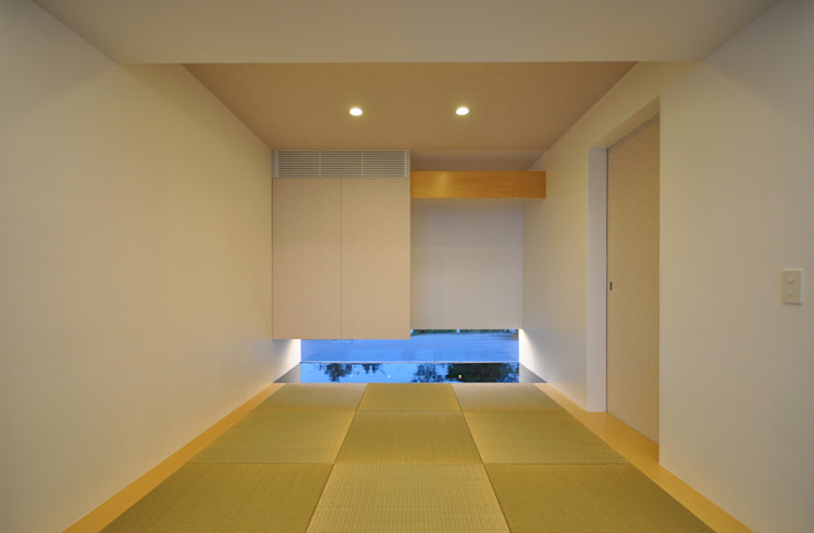 Salas multimedia modernas de 門一級建築士事務所 Moderno