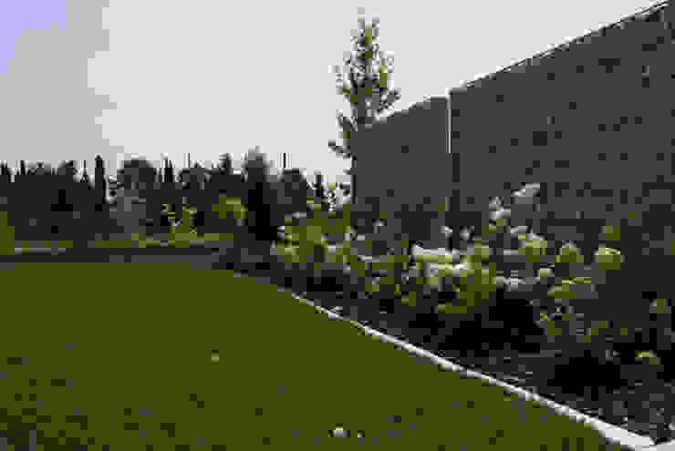 Modern garden Jardins modernos por Lugo - Architettura del Paesaggio e Progettazione Giardini Moderno