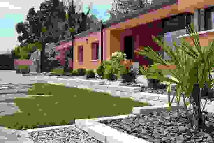Modern garden Lugo - Architettura del Paesaggio e Progettazione Giardini Jardins de fachadas de casas