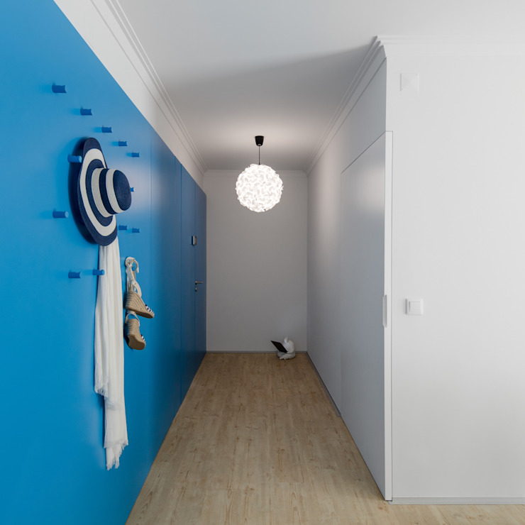 Caminha Refurbishment Eclectic style corridor, hallway & stairs by Tiago do Vale Arquitectos Eclectic MDF