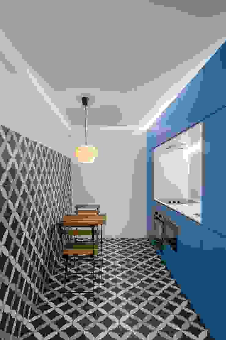 Caminha Refurbishment Tiago do Vale Arquitectos Eclectic style kitchen Tiles Grey