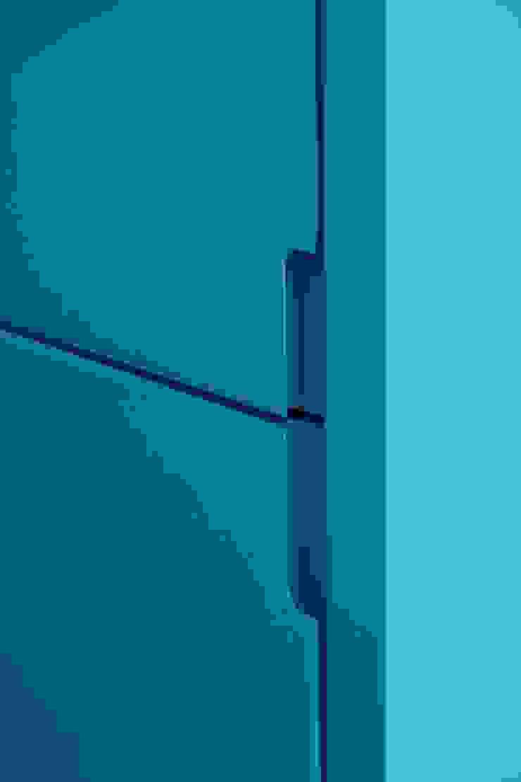 Caminha Refurbishment Tiago do Vale Arquitectos Eclectic style kitchen MDF Blue