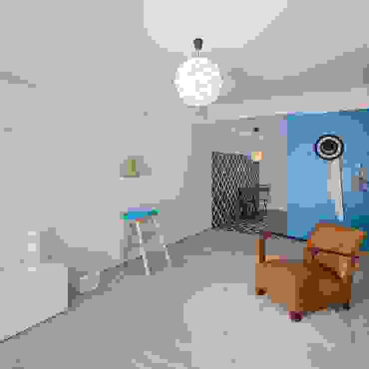 Sala: Salas de estar  por Tiago do Vale Arquitectos,Eclético Madeira Acabamento em madeira