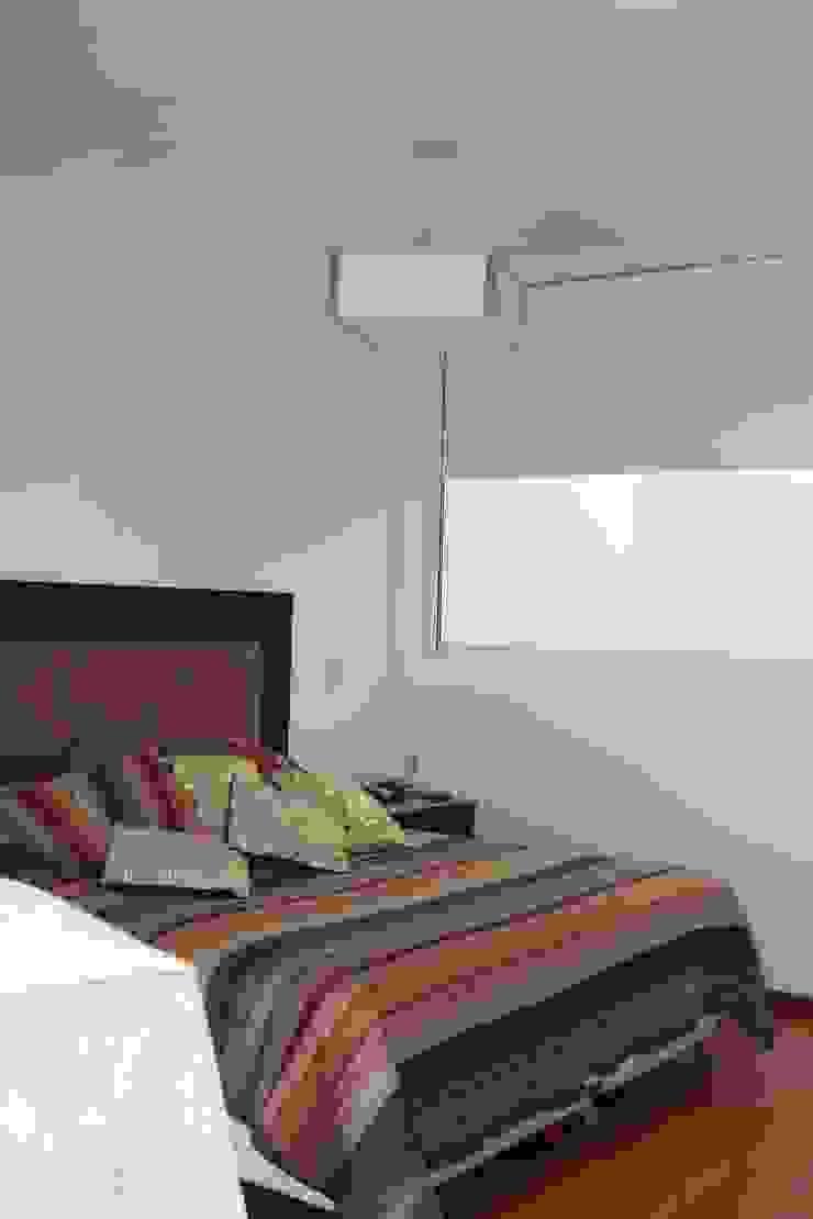 Casa A Dormitorios modernos: Ideas, imágenes y decoración de Prece Arquitectura Moderno