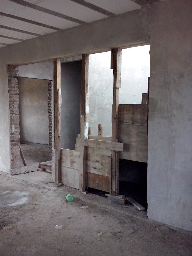 現代風玄關、走廊與階梯 根據 Prece Arquitectura 現代風