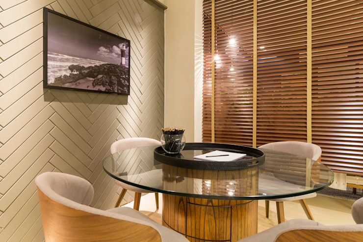 Duo Arquitetura Modern dining room Wood Grey