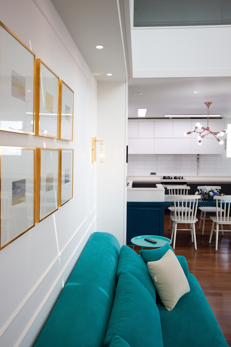 평범한 나의 집에 도전하고싶은 컬러 - 전주 인테리어 효자동 휴먼시아 아이린 아파트 클래식스타일 거실 by 디자인투플라이 클래식