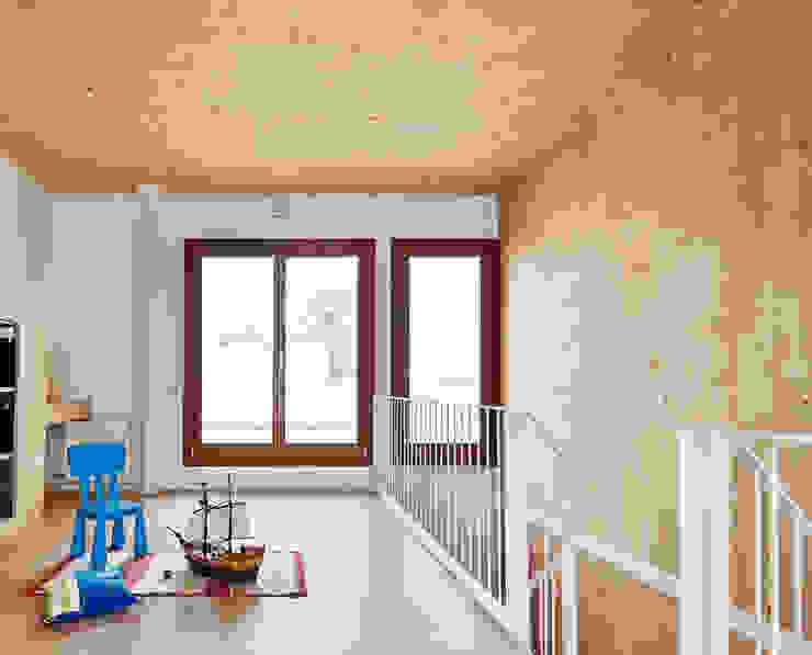 59RUT New house between dividing walls in the centre of Terrassa Vallribera Arquitectes Study/office
