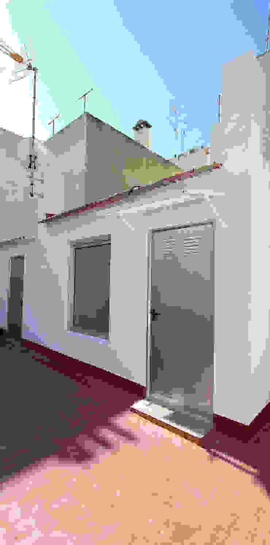 Balcon, Veranda & Terrasse modernes par Novodeco Moderne
