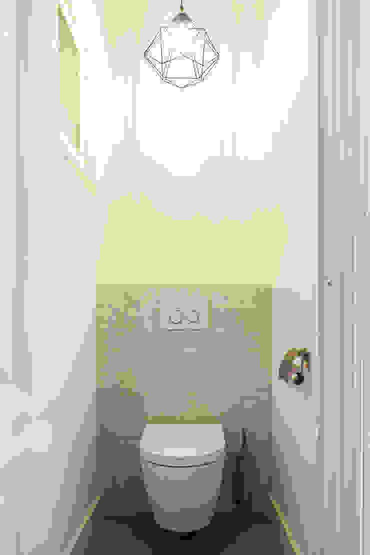 Toilet Moderne badkamers van Bob Romijnders Architectuur + Interieur Modern