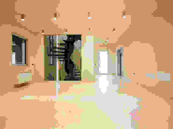 Grassi Pietre srl Modern corridor, hallway & stairs Stone White
