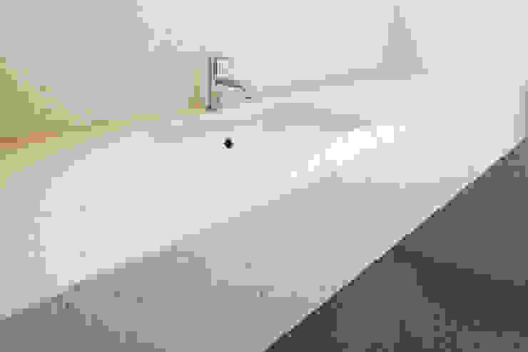 Grassi Pietre srl Modern style bathrooms Stone White