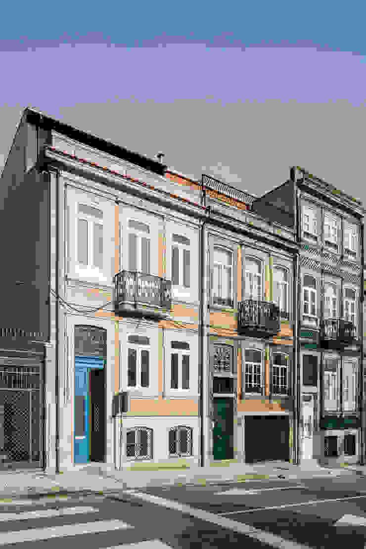 Fachada da Rua D. João IV por Pedro Ferreira Architecture Studio Lda