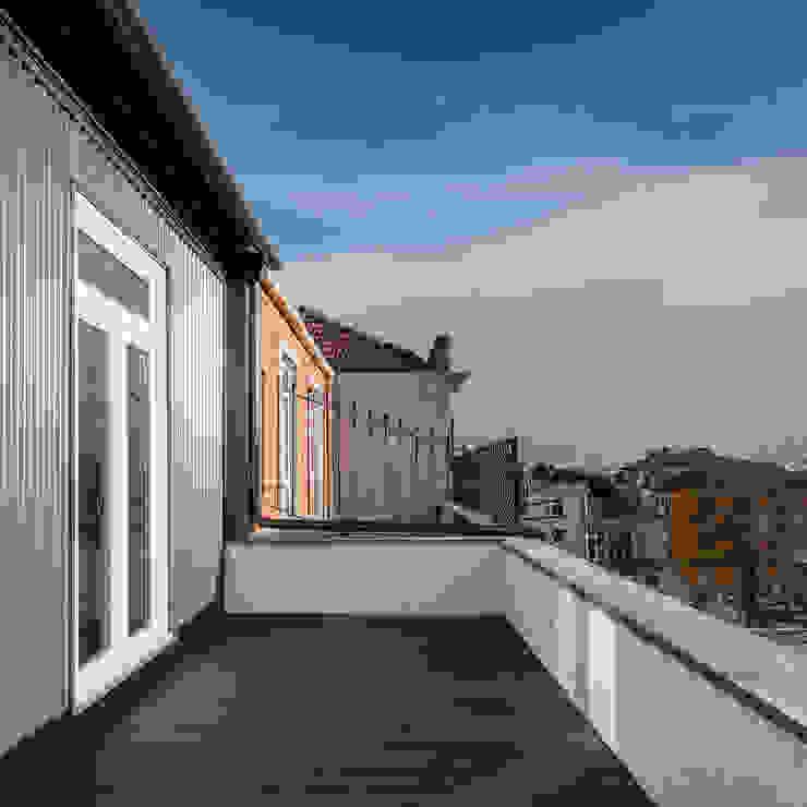 Terraço: Terraços  por Pedro Ferreira Architecture Studio Lda