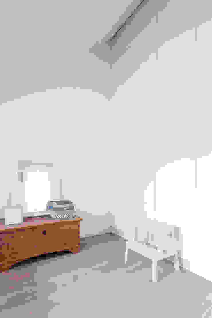 Skandinavische Schlafzimmer von Bob Romijnders Architectuur & Interieur Skandinavisch