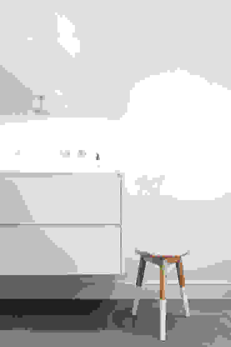 Skandinavische Badezimmer von Bob Romijnders Architectuur & Interieur Skandinavisch