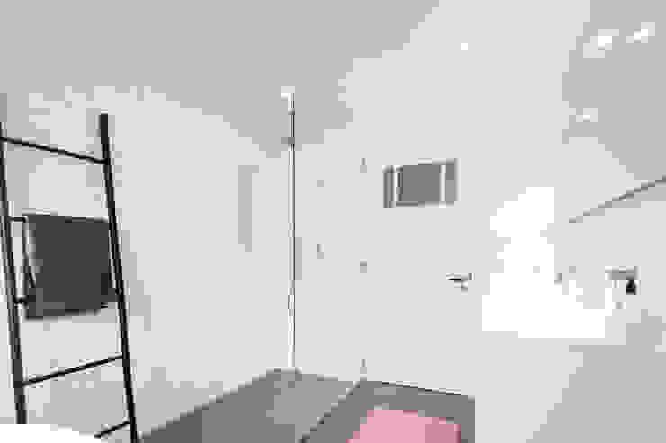 Inloopdouche Scandinavische badkamers van Bob Romijnders Architectuur + Interieur Scandinavisch