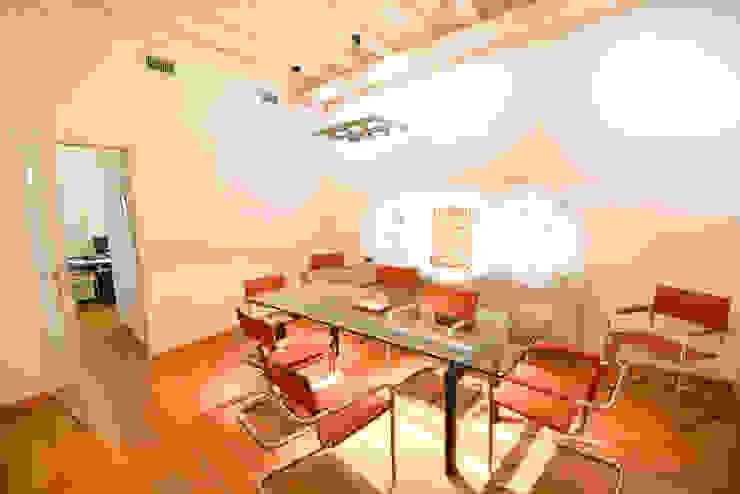 Moderne studeerkamer van Studio Fori Modern