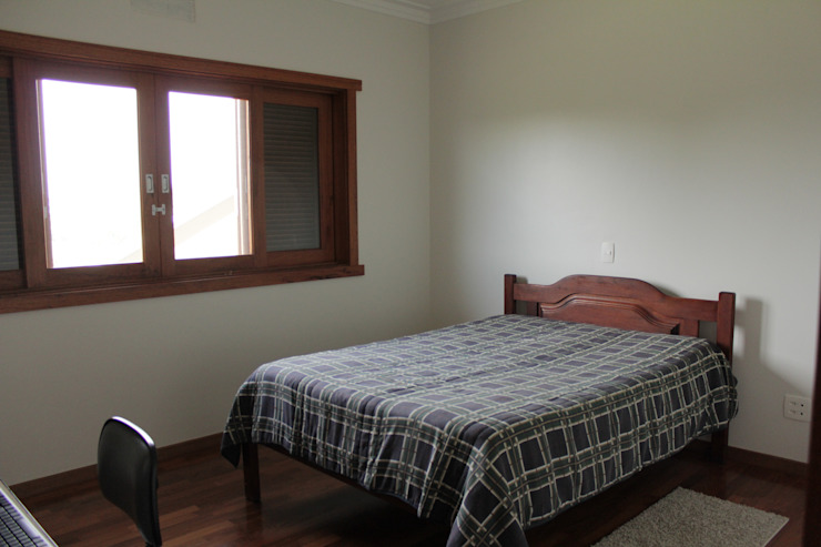Rustic style bedroom by Lozí - Projeto e Obra Rustic