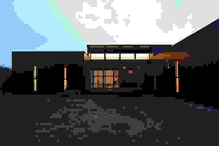 「 Real & Simple 」という家 モダンな 家 の TKD-ARCHITECT モダン