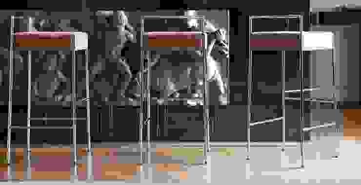 Bancos bar Bar stools www.intense-mobiliario.com KRAM http://intense-mobiliario.com/pt/bancos-bar-metalicos/11118-banco-bar-kram-h65-cuh75-cu.html por Intense mobiliário e interiores; Moderno