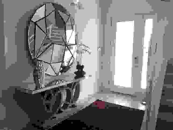 Hall - Residencia Calistoga Laura Picoli Corredor, vestíbulo e escadasAcessórios e decoração Prata/Ouro Roxo/violeta