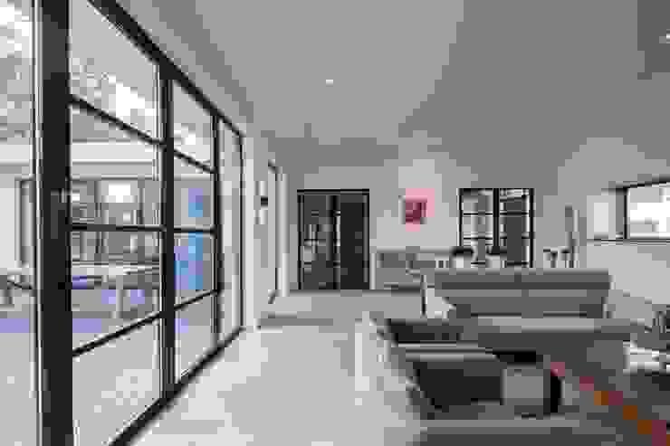 Moderne woonkamer Moderne woonkamers van Van der Schoot Architecten bv BNA Modern Hout Hout