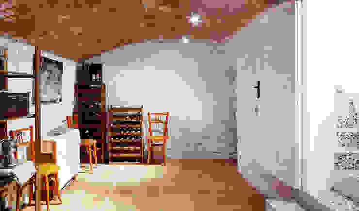 Minimalist wine cellar by Vallribera Arquitectes Minimalist