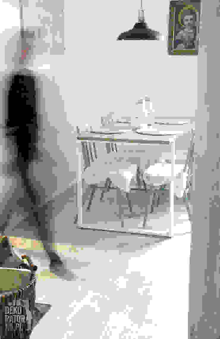 Scandinavian style dining room by dekoratorka.pl Scandinavian