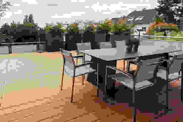 Varandas, alpendres e terraços modernos por Will Bau & Bad Moderno Madeira Efeito de madeira